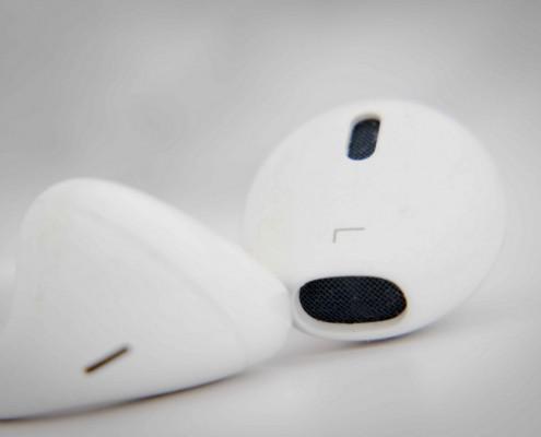 Hasta tus auriculares pueden estar espiándote